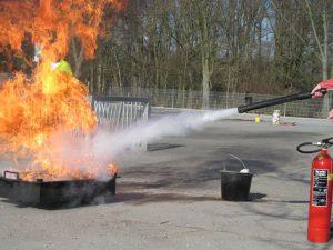 Ausbildung in der Handhabung von Feuerlöschern