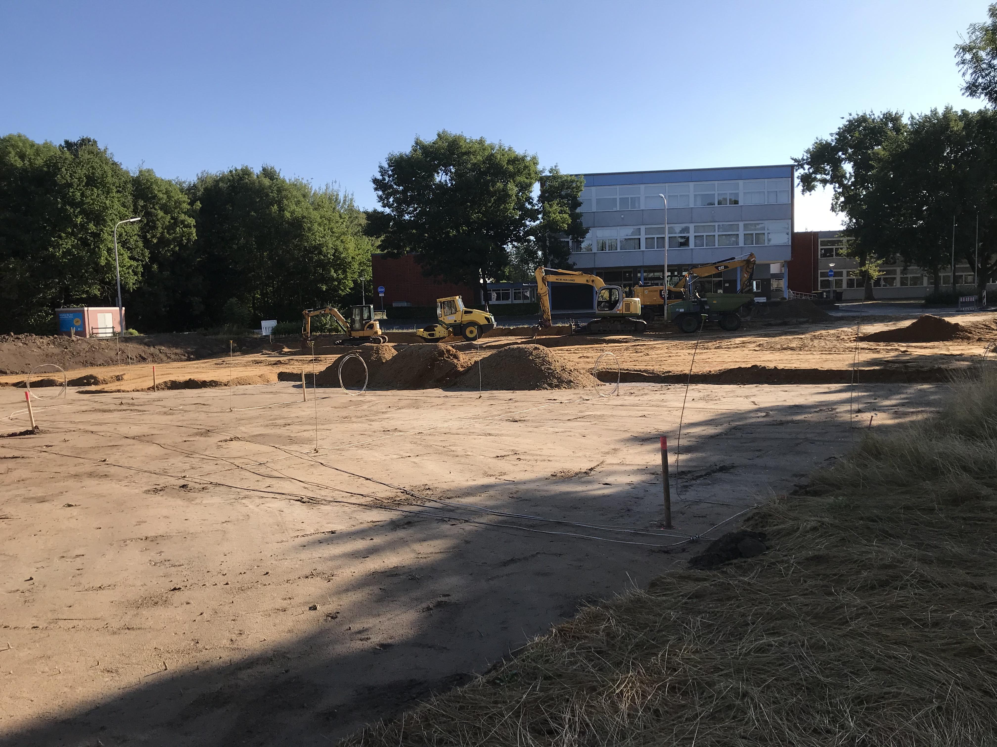 <p>Baubeginn im August 2018  (13.08.2018) Der Bereich rund um die Schule gleicht aktuell einer [&hellip;]</p>