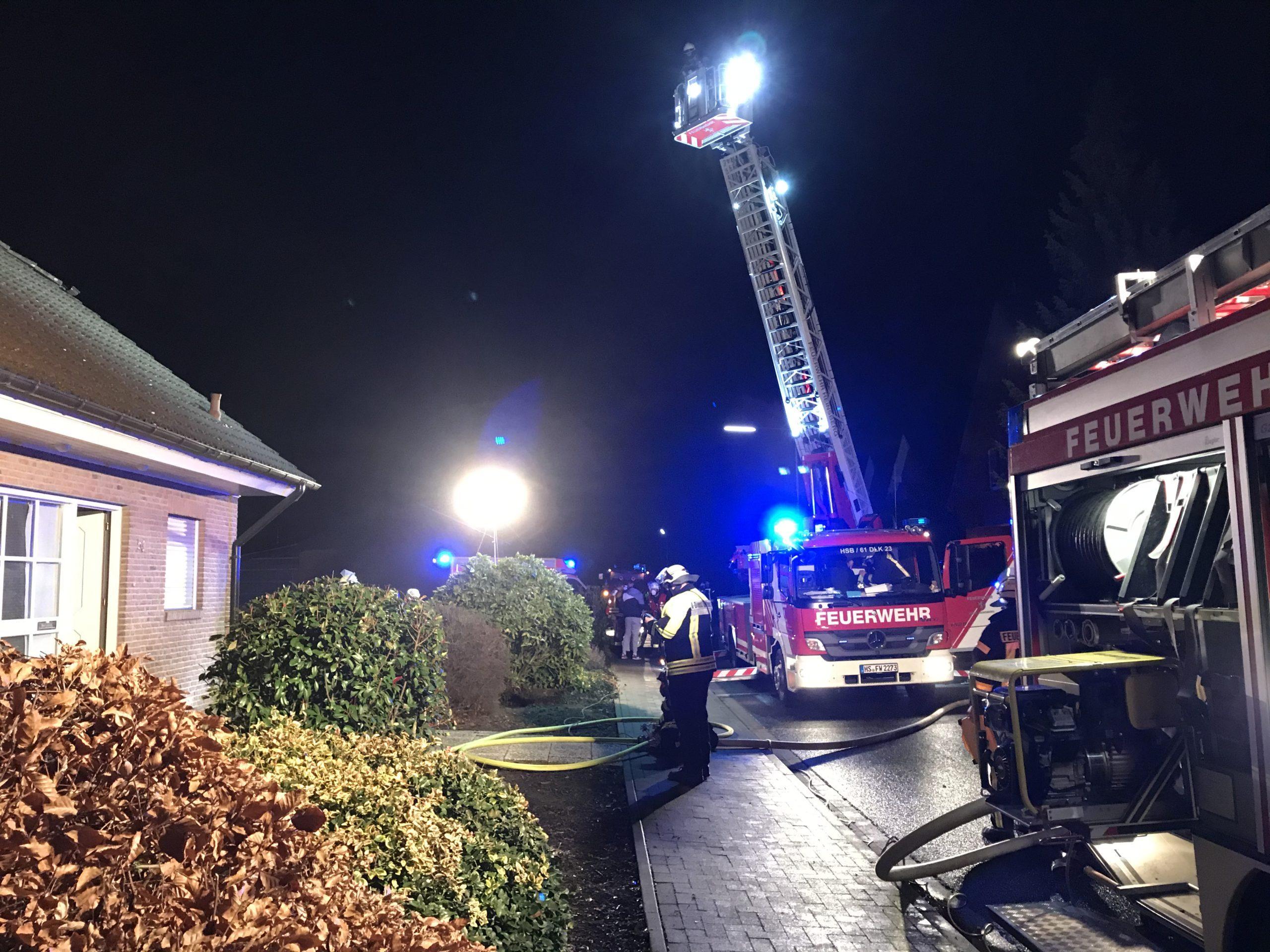 <p>Um kurz nach vier Uhr wurden die Löscheinheiten Haaren und Obspringen sowie die Drehleiter aus Heinsberg zu einem Kellerbrand alarmiert. […]</p>